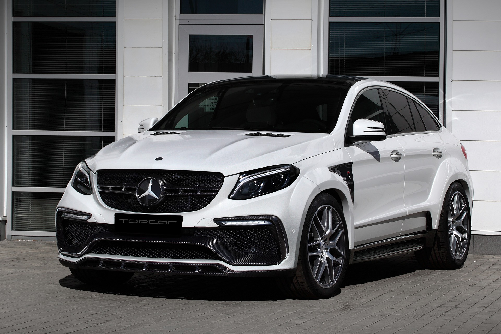 Mercedes benz gle coupe inferno white topcar for Mercedes benz range rover price