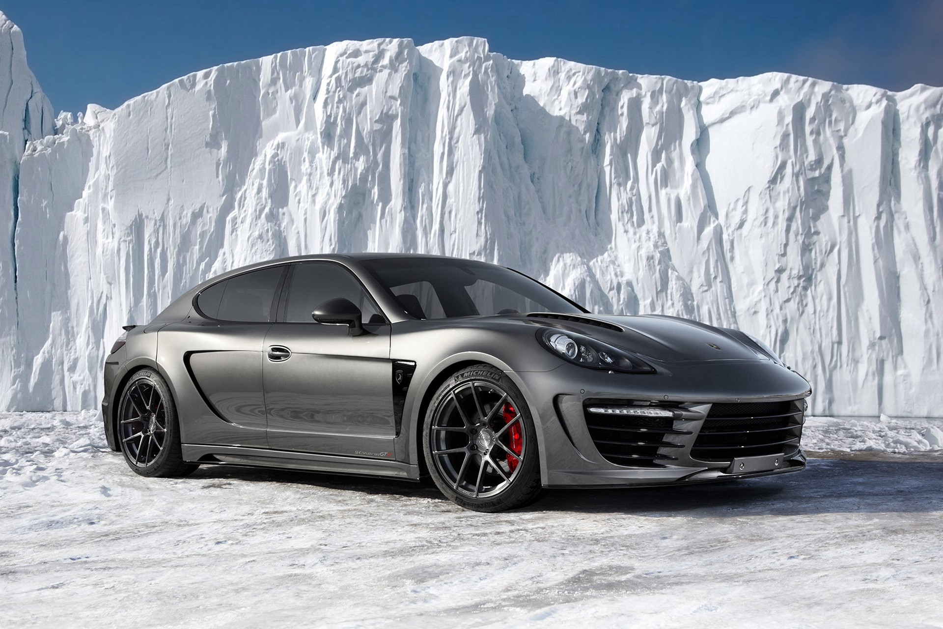 Porsche Panamera Stingray GTR 13 25